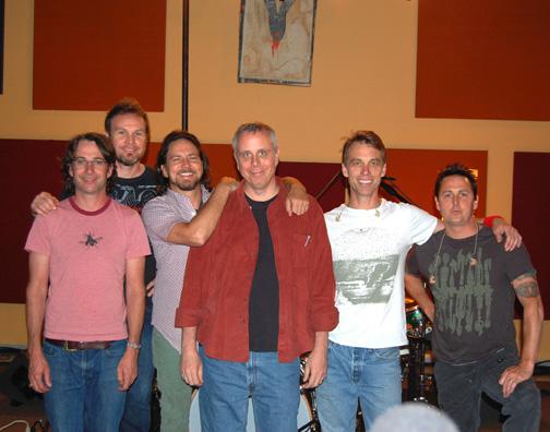 Pearl Jam et projets parallèles - Page 2 DanPJ